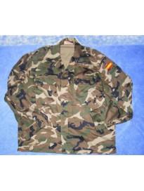 uniforme boscoso ejercito de tierra